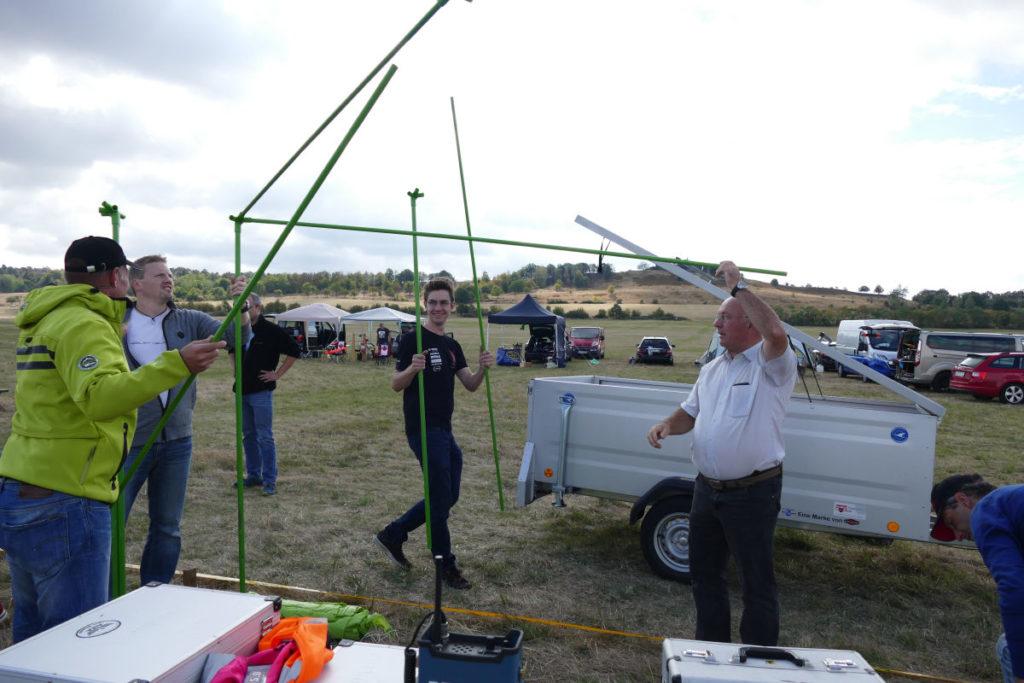 Aufbau Messanlage und Zelt